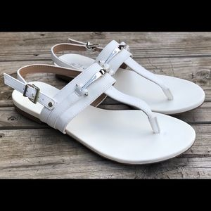NWT Call it spring vegan leather t-bar sandal sz 8